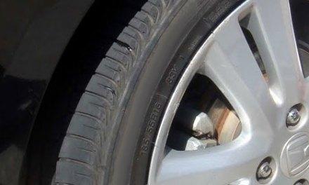 Revisão dos pneus, fundamental para as viagens de final de ano
