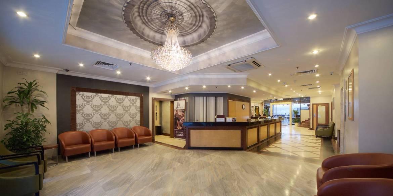 Kinabalu Daya Hotel's Reception Desk