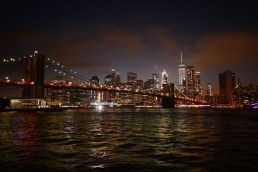 Brooklyn Bridge bei Nacht
