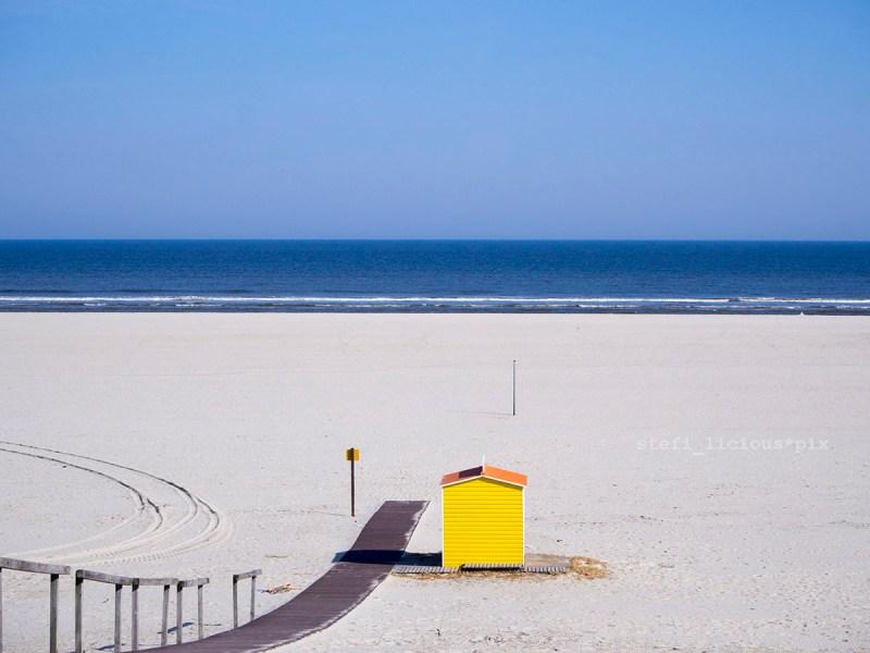 Strandkorbvermietung in gelb