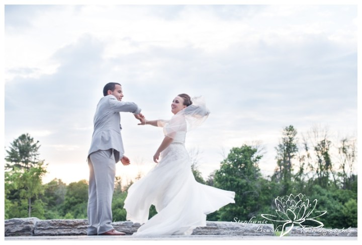 Gatineau-Golf-Club-Wedding-Stephanie-Beach-Photography-sunset-twirl-dance