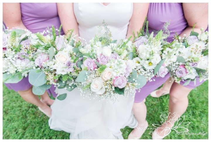 Strathmere-Lodge-Wedding-Stephanie-Beach-Photography-bridesmaids-bouquets-stone-blossom