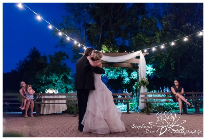 Strathmere-Lodge-Wedding-Stephanie-Beach-Photography-reception-dancing