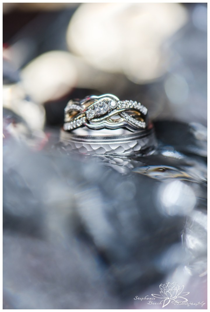 Wendake-Hôtel-Musée-Premières-Nations-Wedding-Stephanie-Beach-Photography-ring-macro