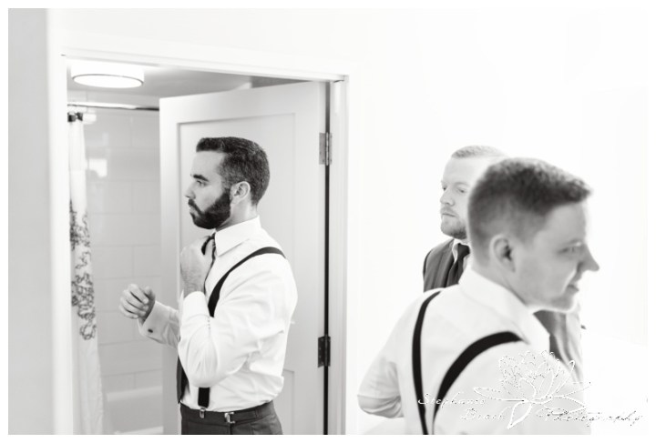 Strathmere-Lodge-Wedding-Stephanie-Beach-Photography-prep-groom-groomsmen