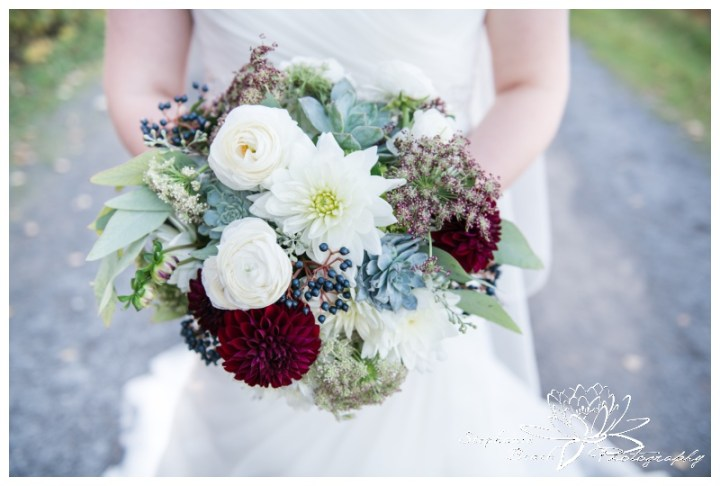 Ottawa-Fall-Wedding-Stephanie-Beach-Photography-bride-portrait-bouquet-rebel-petal