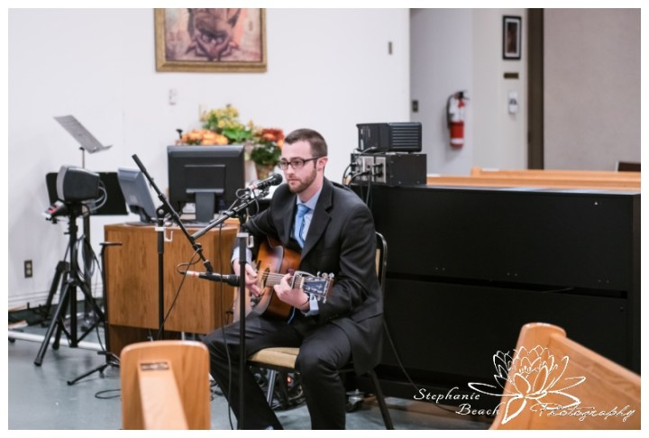 Ottawa-Fall-Wedding-Stephanie-Beach-Photography-ceremony-church-guitar