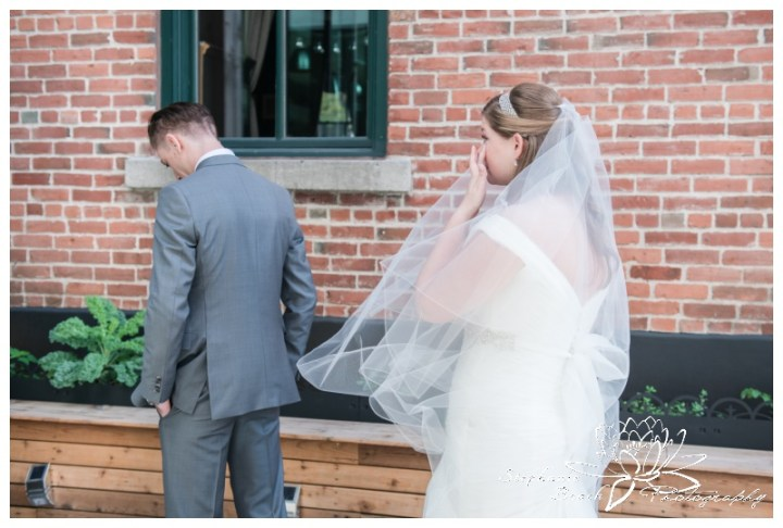 Ottawa-Fall-Wedding-Stephanie-Beach-Photography-groom-bride-first-look