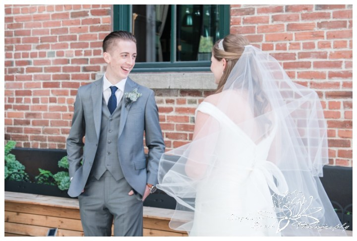 Ottawa-Fall-Wedding-Stephanie-Beach-Photography-first-look-bride-groom