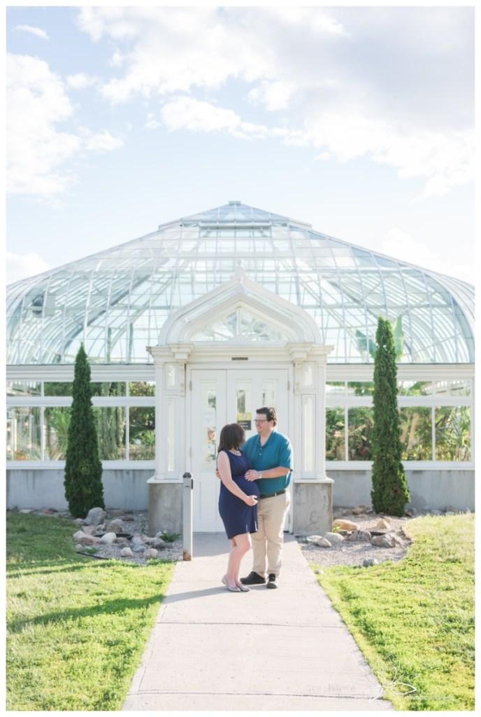 Ottawa-Lifestyle-Maternity-Session-Ornamental-Gardens-Greenhouses-Stephanie-Beach-Photography