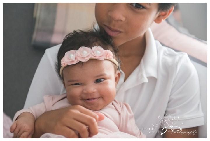 Ottawa-Lifestyle-In-Home-Newborn-Session-Stephanie-Beach-Photography