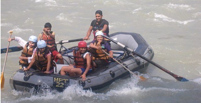 river-rafting-in-manali-season-Vaishali-Gupta