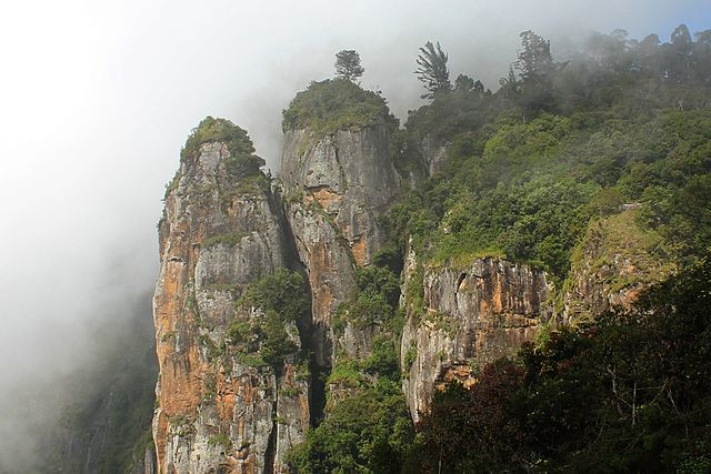 pillar_rocks_in_kodaikanal
