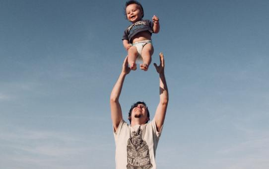 7 Great Father's Day Gifts for Dads Who Love to Travel