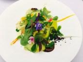 Le gargouillou - Gemüse, Salate, Kräuter, Sprossen, Saaten, Cremes, Pürees und vieles mehr (und versteckt eine Scheibe luftgetrockneter Schinken aus Bayonne)