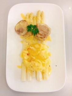 Medaillons mit Spargel und Kartoffelgratin