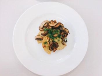 Ravioli mit gerösteten Pilzen