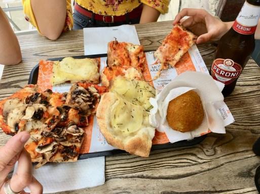 Pizzen (Pilze, Kartoffeln, Mozzarella), Arancia