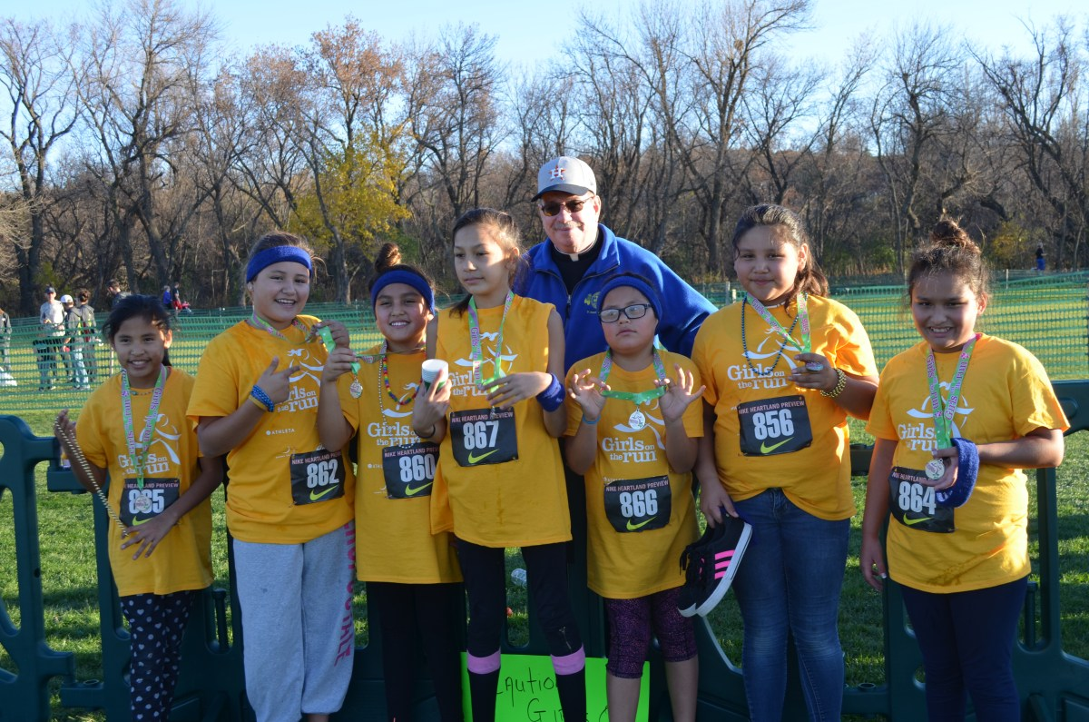 Thanksgiving, Charlie Brown, Girls on the Run, Flat Francis and Healing at St. Joseph's Indian School!