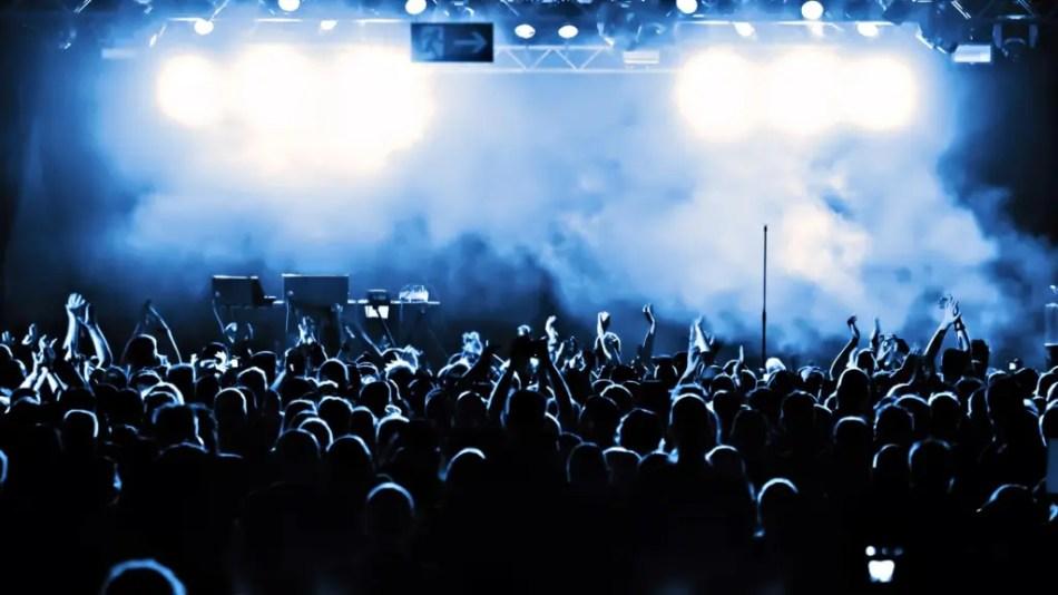演唱會門票一票難求,打開隨意門感受live氣氛