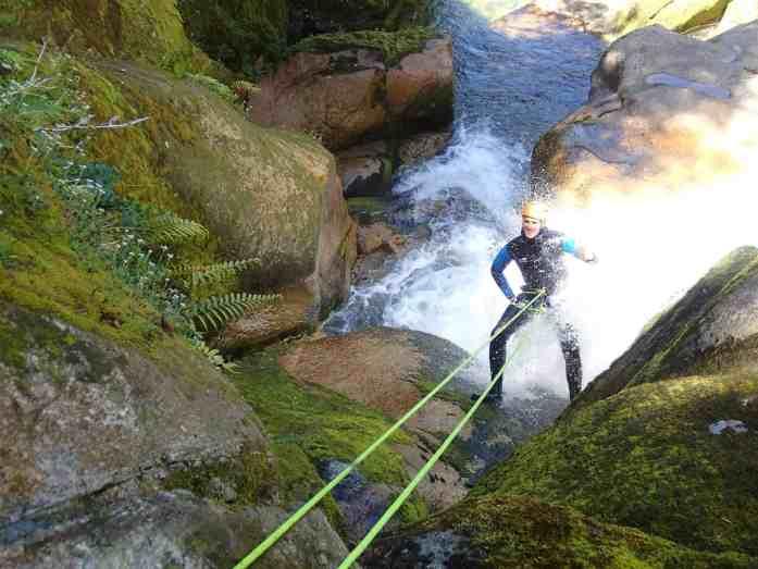 Abel Tasmany Canyons abseil