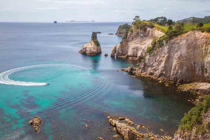 Scenic Hahei boat tour with Hahei Explorer