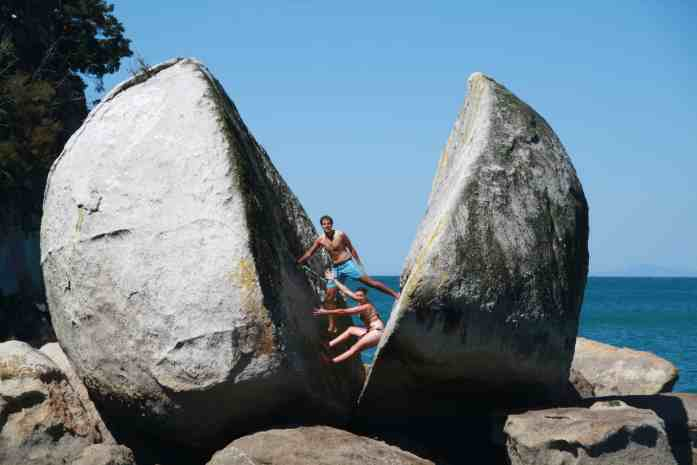 Abel Tasman Sailing Adventures - Split Apple Rock - Stray NZ