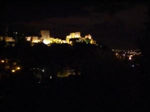 la-alhambra-at-night