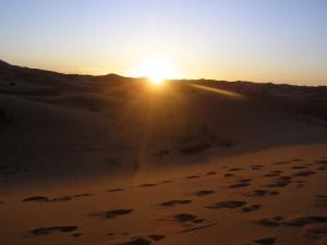 sunrise-in-the-sahara