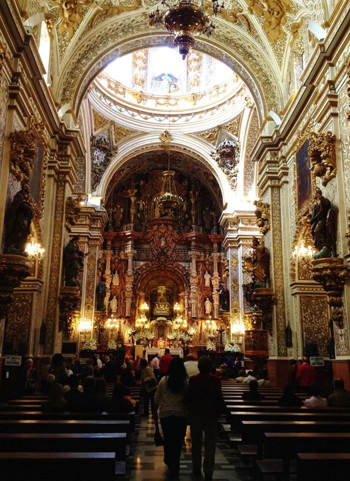 Despite its size, La Basilica de Nuestra Señora de las Angustias usually hosts a modest congregation.