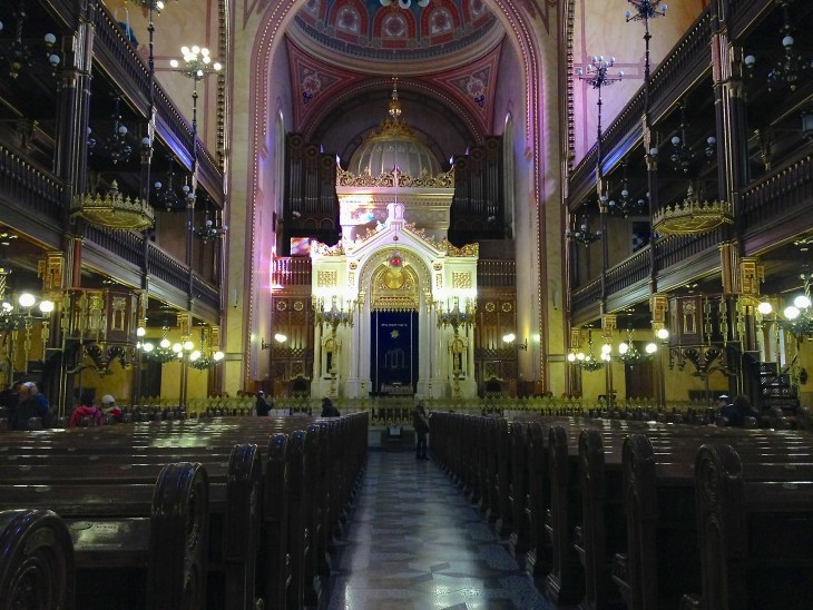 Everything in the synagogue is so intricate and breathtakingly beautiful.