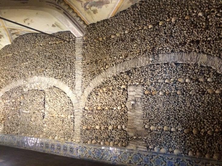 Capela dos Ossos- E-ª++vora, Portugal- Breece- Photo 2