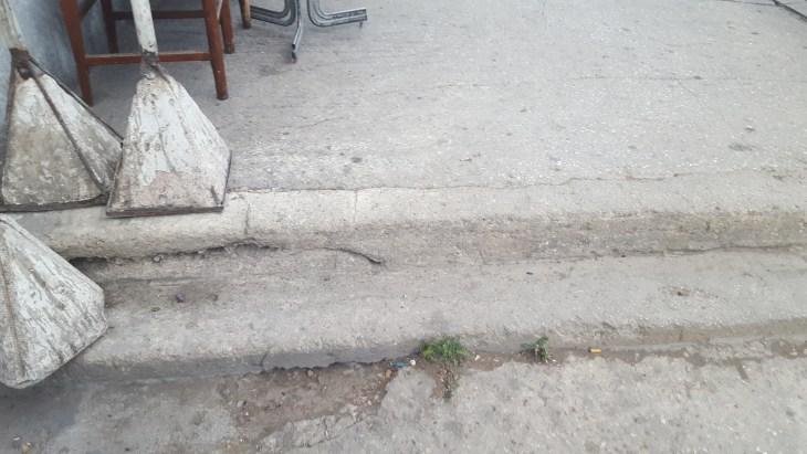 An example of an uneven Meknes sidewalk