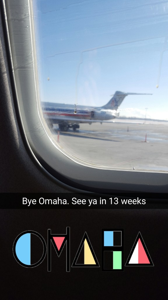 The--cliche-farewell-to-your-hometown-snap