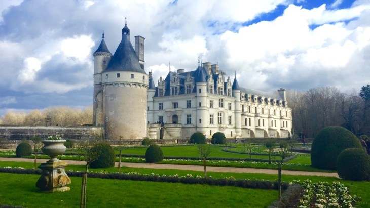 This photo was taken when I visited the 'Château de Chenonceau' on an excursion to 'Loire Valley' with ISA. No matter what angle you took the picture, it always came out looking beautiful.