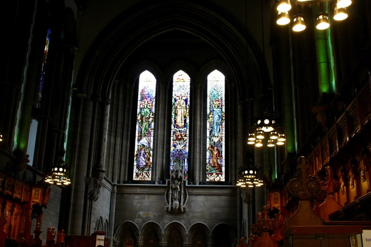 "We ended our tour with a look into the chapel at Glasgow University, where it is the ""norm"" to see weddings or graduations go on."