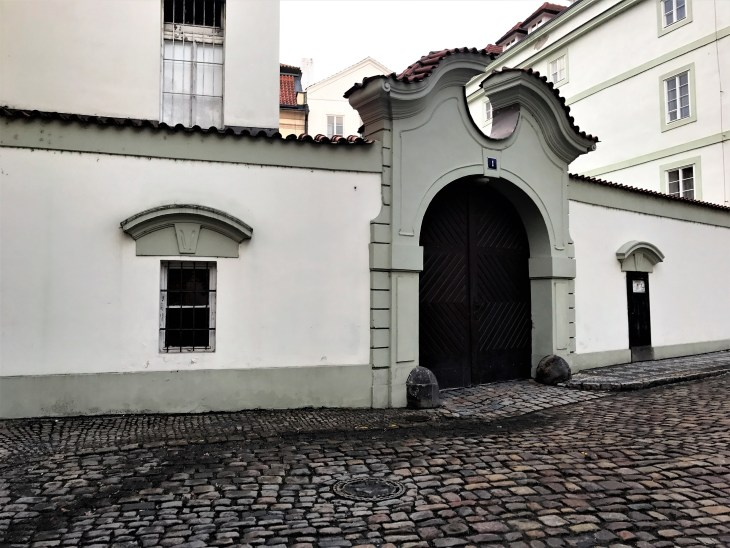 doors_prague_czechrepublic_abigailberg_photo3
