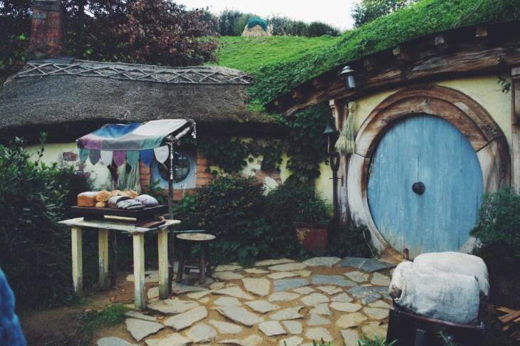 hobbit hole hobbiton matamata