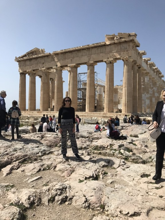 This image has an empty alt attribute; its file name is thumbnail_greece1.jpg