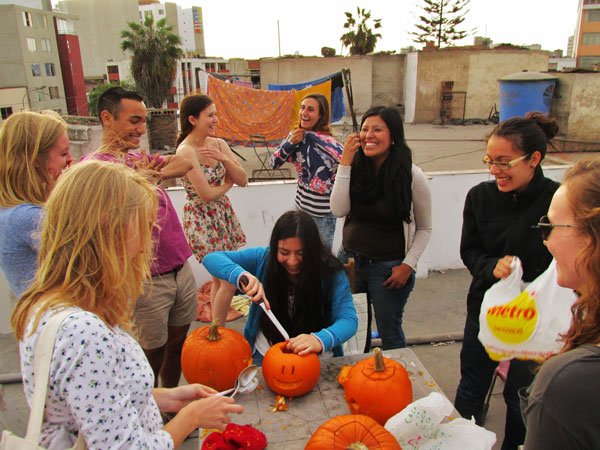 peru.lima.fall2014.artistic_eye.peruvian_halloween.kelly_bast