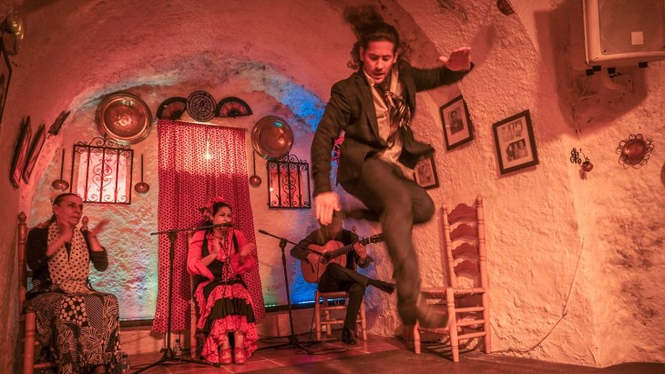 Flamenco performance in the caves of Sacromonte