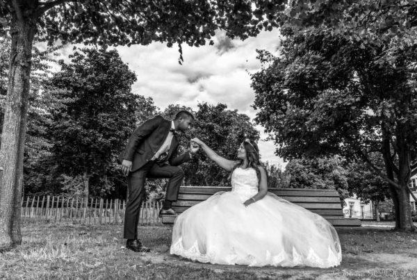 Studio GCNH photographe mariage exceptionnel mariée marié pose couple robe