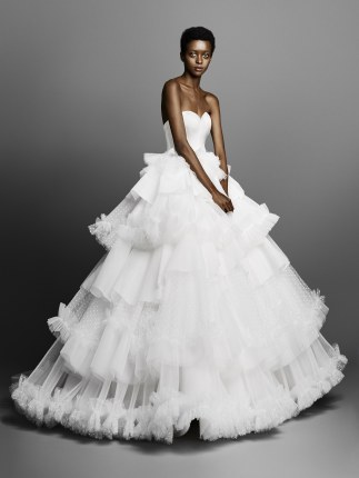 Viktor and Rolf Bridal Spring 2019 (Photo: Vogue.com)