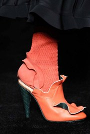 fendi-fw16-rtw-fall-winter-2016-ready-to-wear-accessories-shoes-heels-coral