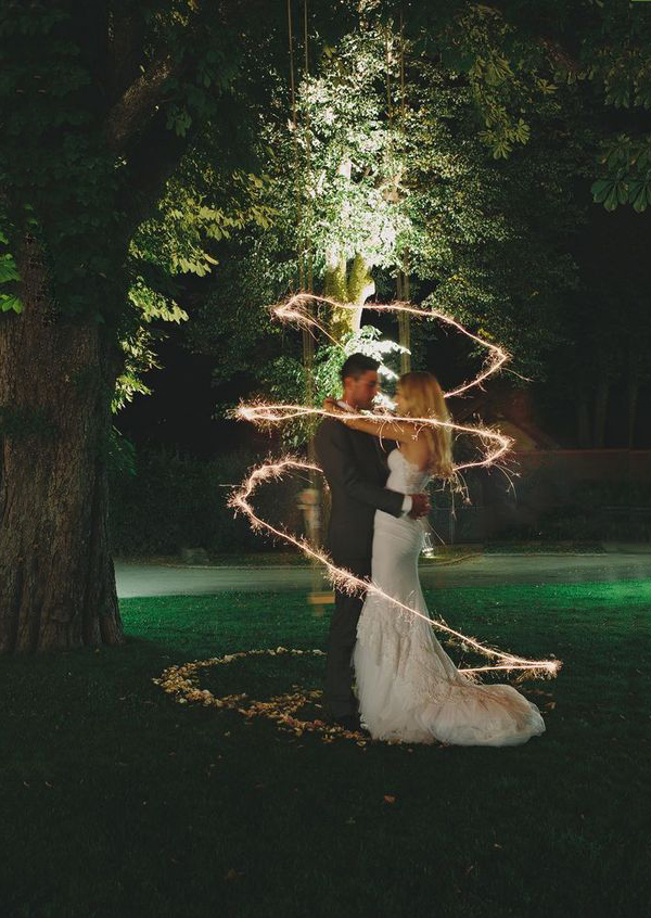 Top 20 Romantic Wedding Photos You Must Have  Stylish Wedd Blog