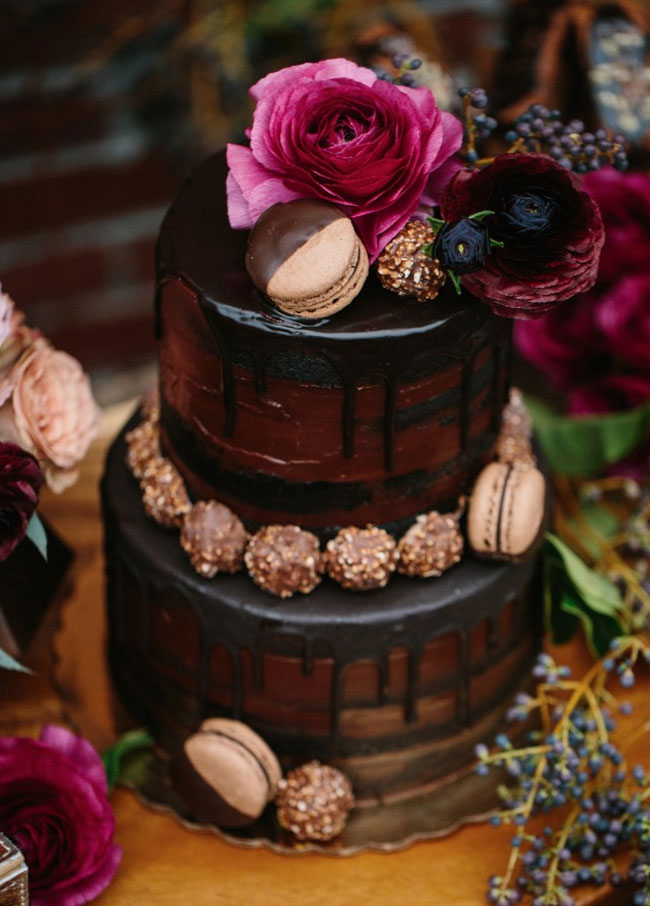 20 Trendy Drip Wedding Cakes That Make your Dessert Table