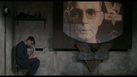 Big brother dans 1984 de Michael Radford, d'après le roman de George Orwell