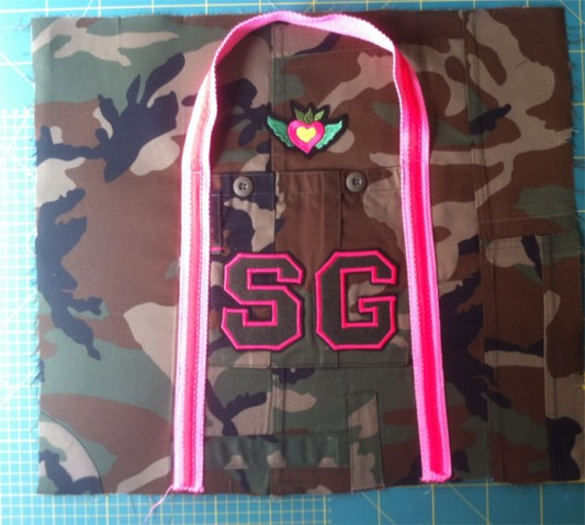 Sporttasche Military Detail 1