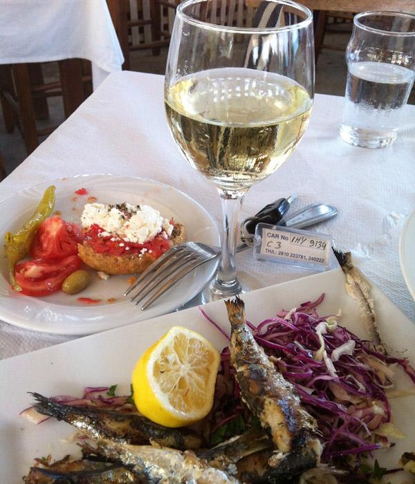 griekenland lunch vis wijn