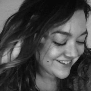 Headshot photo of Maari Carter